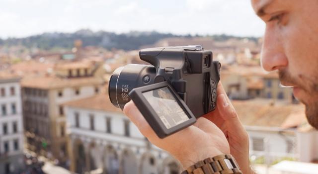 Fotocamere bridge: potenza da reflex, dimensioni da compatta