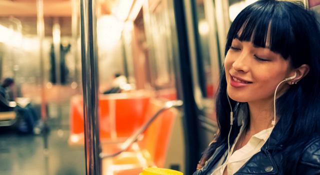 Il kit hi-tech per viaggiare in metro: cosa non pu� mancare