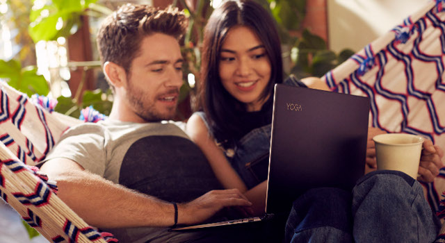 Lenovo YOGA Book: il nuovo 2-in-1 per la produttivit� mobile