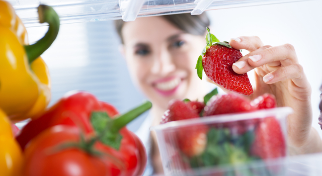 Come conservare gli alimenti in frigo al meglio: le soluzioni hi-tech