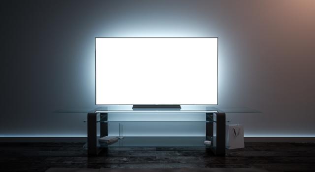 Effetto clouding, banding, ghosting sul TV: cosa sono e come regolare il televisore