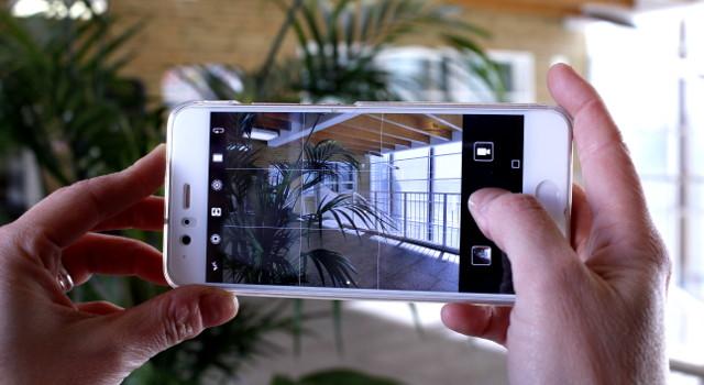 Come fotografare bene con Huawei P10: trucchi e consigli