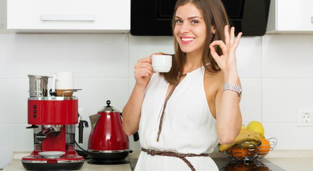 Pulire la macchina del caffè: ecco come dire addio al calcare