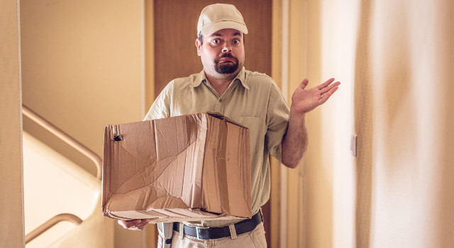 Ricevi un pacco rovinato: cose da fare e cose da non fare