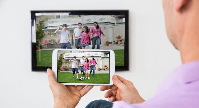 Come collegare il telefono al TV?