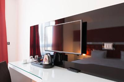 Hotel TV e funzione Hotel Mode sui TV: significato e utilità - Monclick