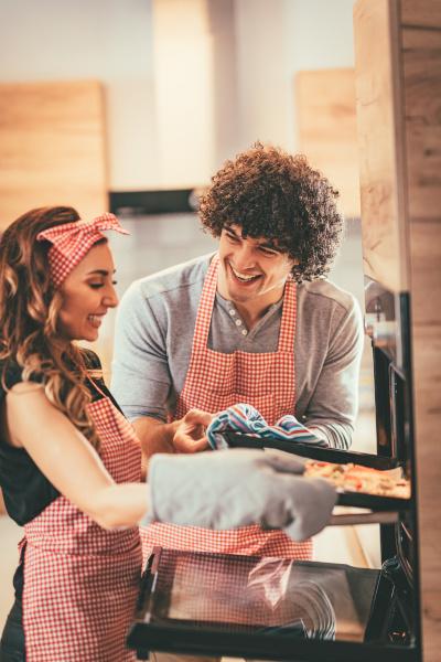 come fare pizza a casa coppia uso forno pizza