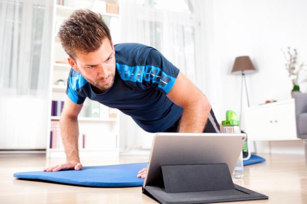 miglior app fitness allenamento a casa uomini piegamenti braccia